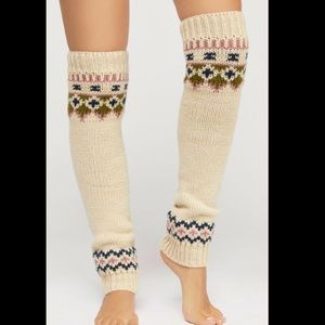 NWT Free People tan blue pink Retro Style Slouchy Fairisle Thick Legwarmers O//S